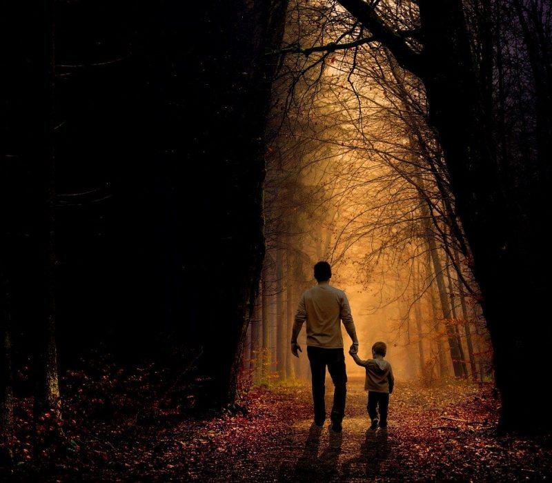 father son walk 2770301